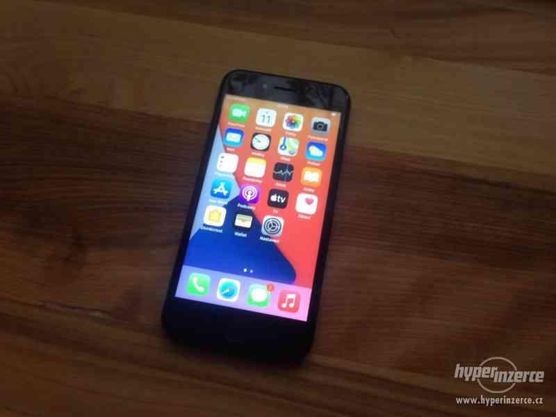 Apple iPhone 8, 64GB - foto 7