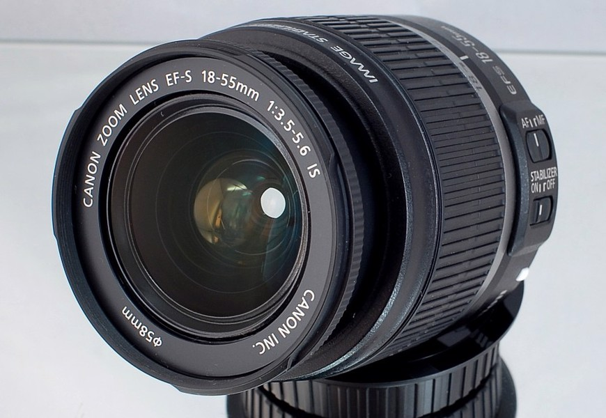 Canon EF -S 18-55mm f/3.5-5.6 IS **APS-C zoom Lens*