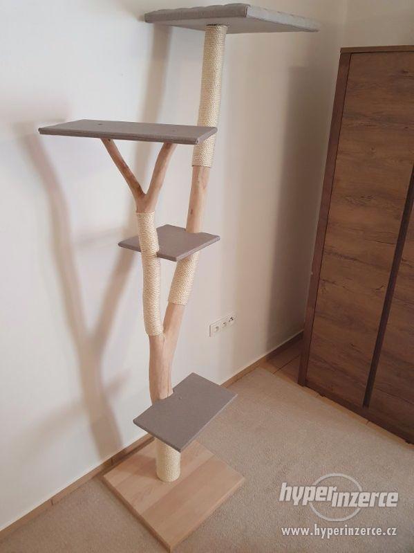 Kočičí strom / kočičí škrabadlo - foto 6