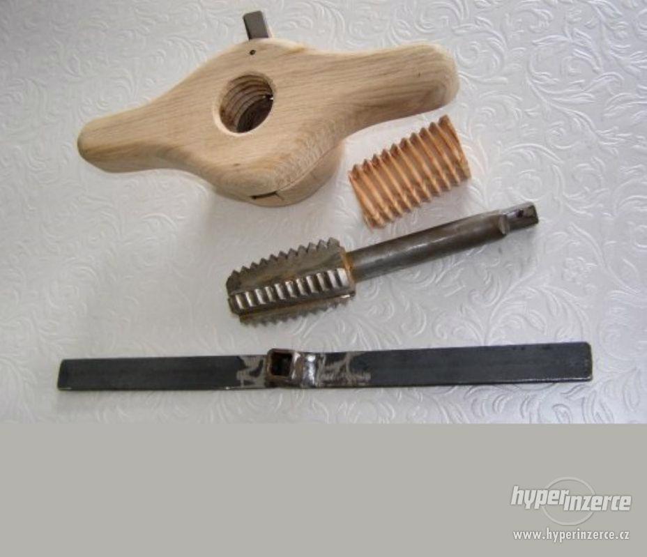 Závitořezy do dřeva - foto 1