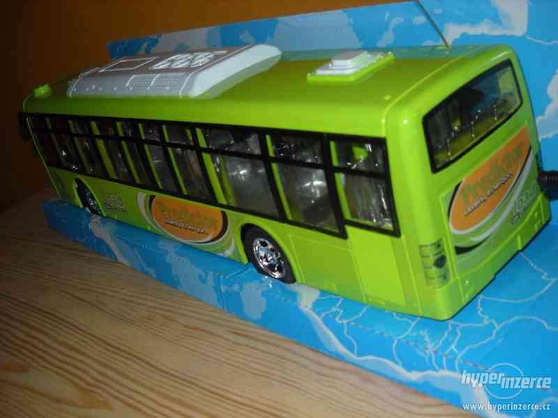 Autobus na vysilačku - foto 3
