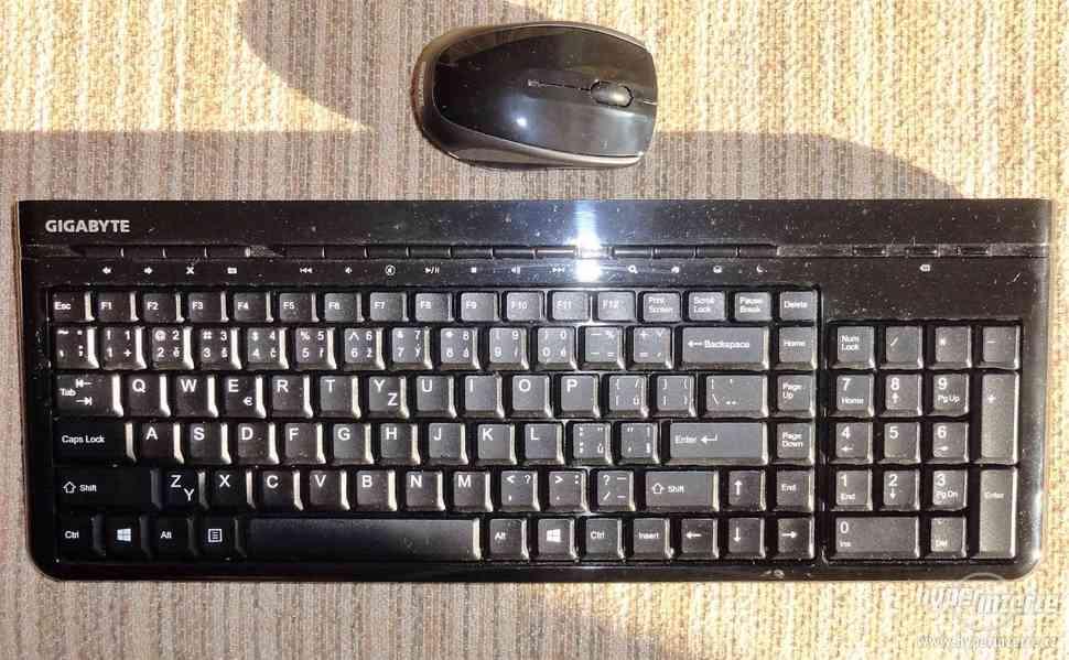 Bezdrátová klávesnice s myší GIGABYTE KM7580 CZ - foto 4