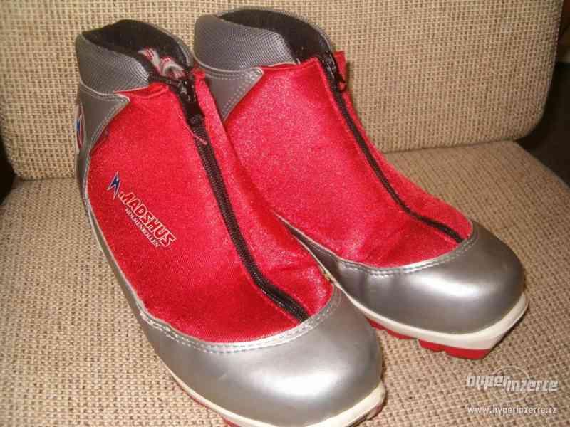 Červené boty na běžky Madshuds Rottefella NNN, dětské lyže