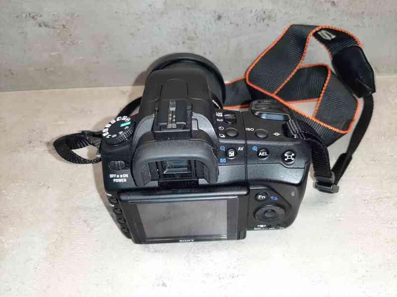 Digitální fotoaparát SONY - foto 1