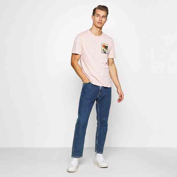 Pier One - Pánské růžové tričko s palmou Velikost: M - foto 3