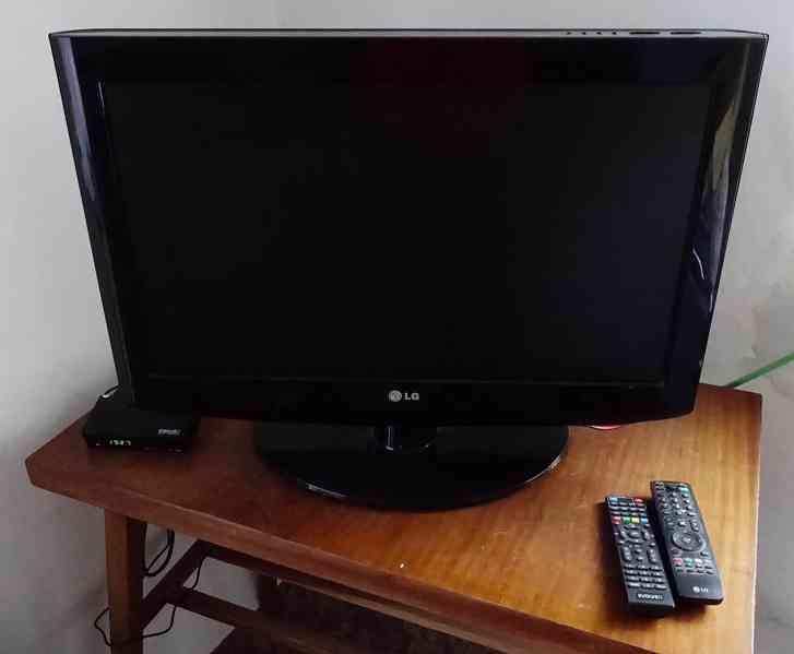 """TV LG 26"""" se DVB-T2 settop boxem"""