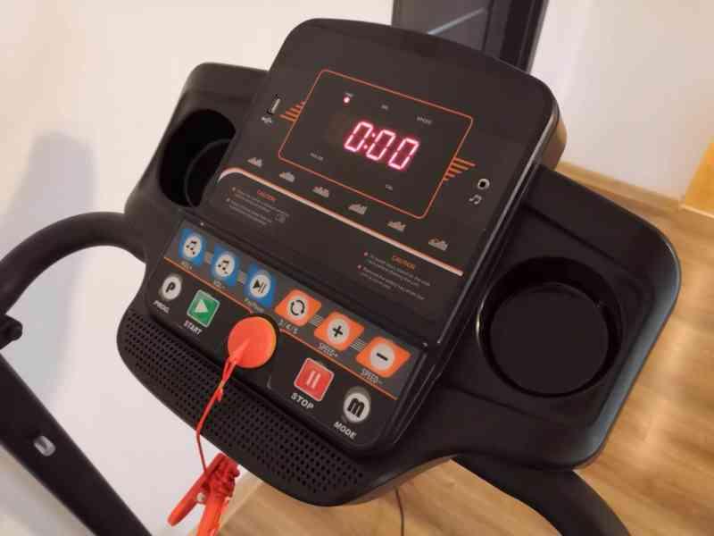 Běžecký pás HRS T-150 (1 HP, do 100kg, do 12km/h) + twister  - foto 3