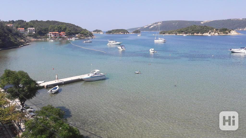 Dovolená na ostrově Rab u moře Chorvatsko Supetarska Draga  - foto 2