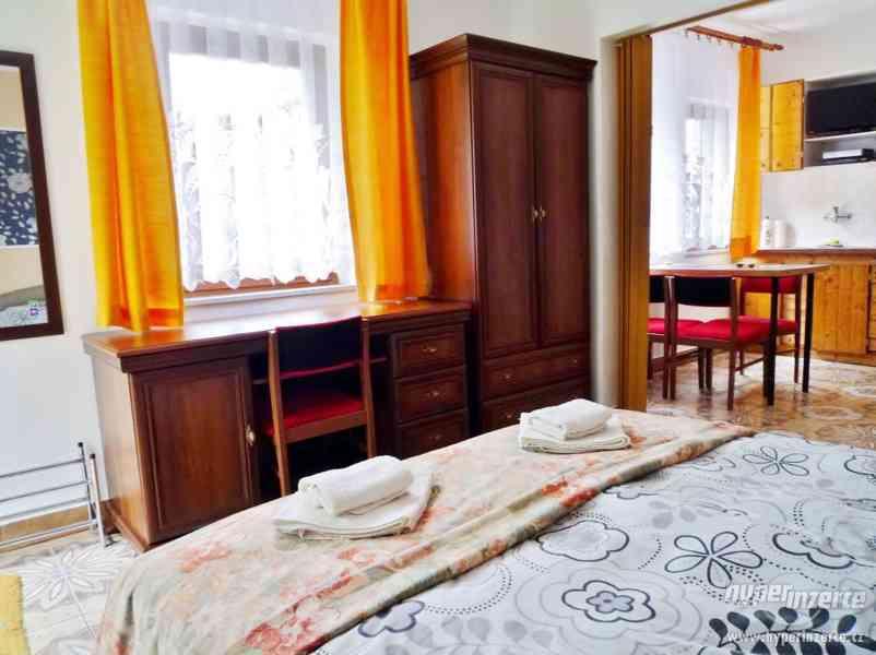 Jeseníky - ubytování v apartmánu  až 4 os. Privátní vchod. - foto 6