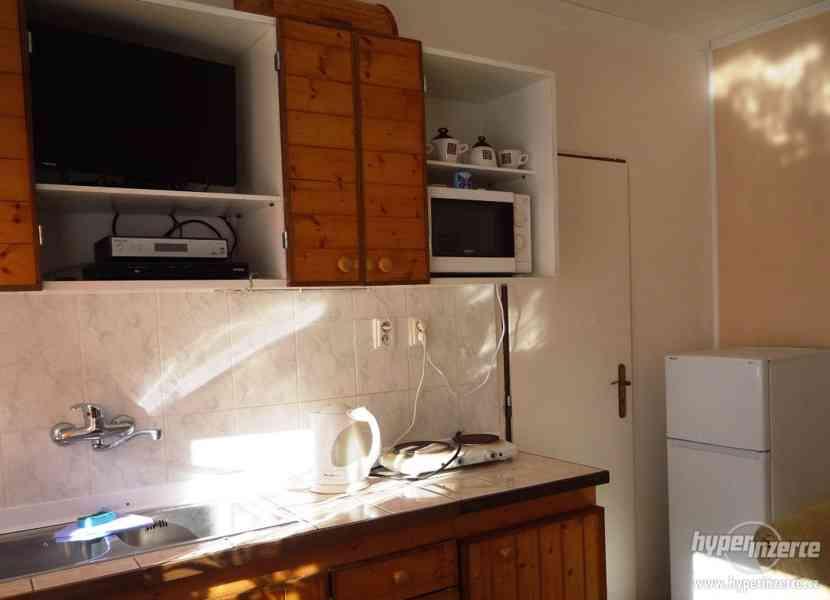 Jeseníky - ubytování v apartmánu  až 4 os. Privátní vchod. - foto 7