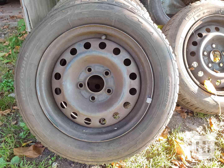 Letní pneu s plechovými disky - foto 1