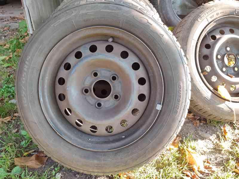 Letní pneu s plechovými disky