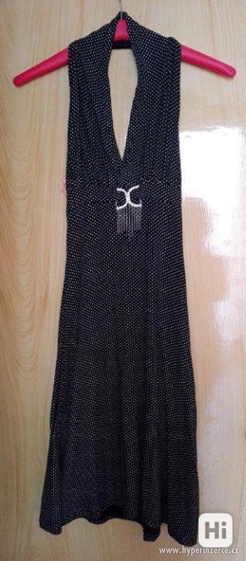 Černé šaty s malými bílými puntíky - foto 1