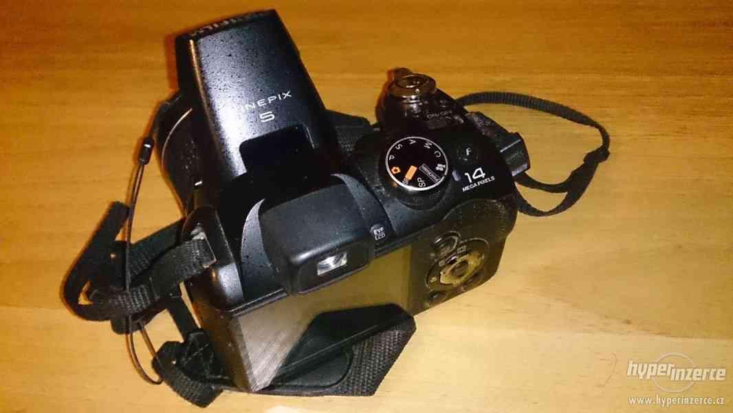Fujifilm Finepix S3200 - foto 2