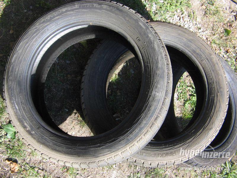 Prodám tři pneu Nokian 225/55 R18 - foto 1