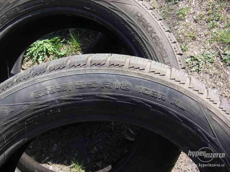 Prodám tři pneu Nokian 225/55 R18 - foto 2