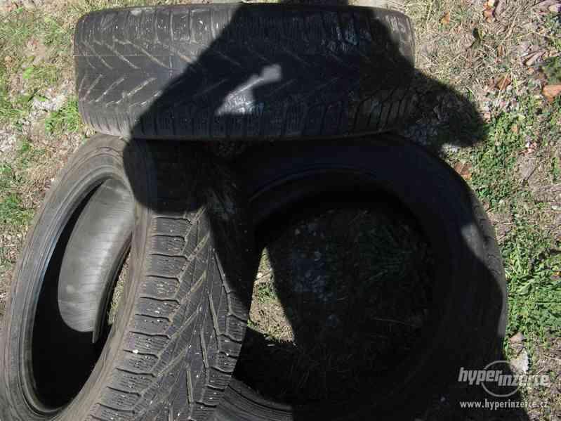 Prodám tři pneu Nokian 225/55 R18 - foto 5