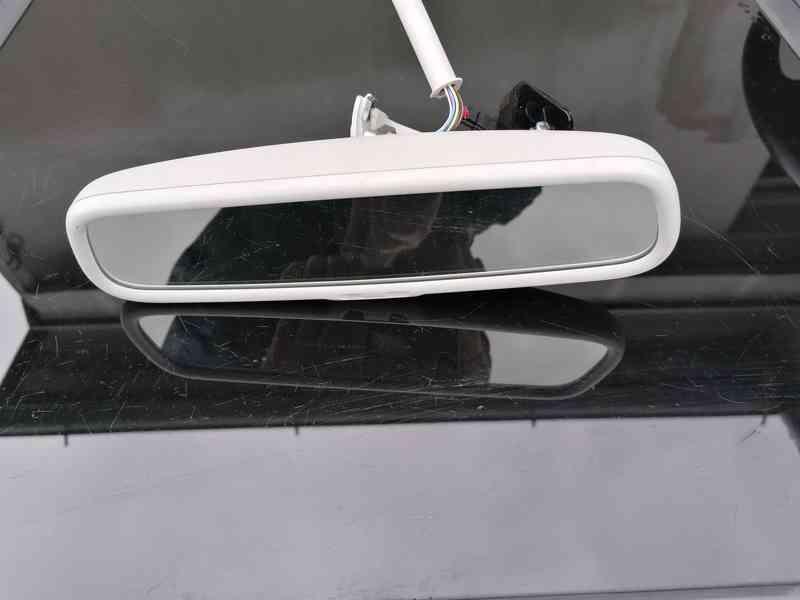Panoramatické autozrcátko