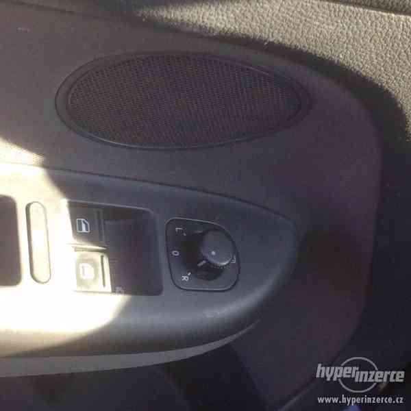 Volkswagen Golf Plus 1.9/77kW+navíc sada kol - foto 9