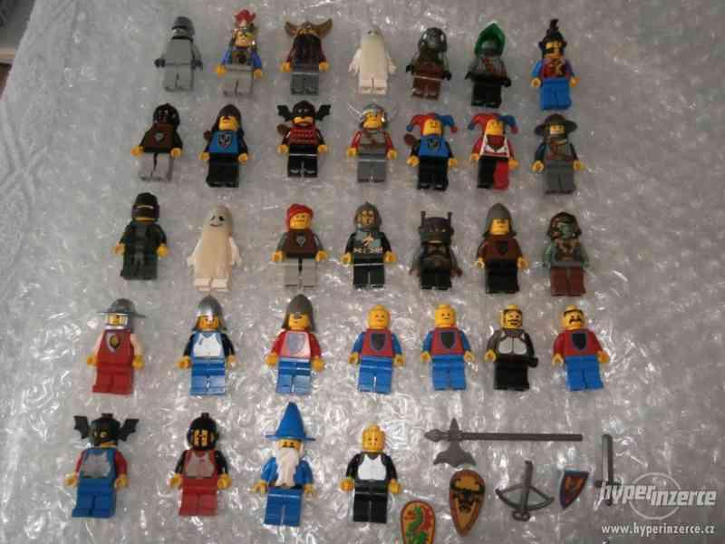 LEGO CASTLE MINIFIGURKY 32KS + DOPLŇKY - foto 1