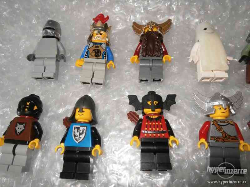 LEGO CASTLE MINIFIGURKY 32KS + DOPLŇKY - foto 2