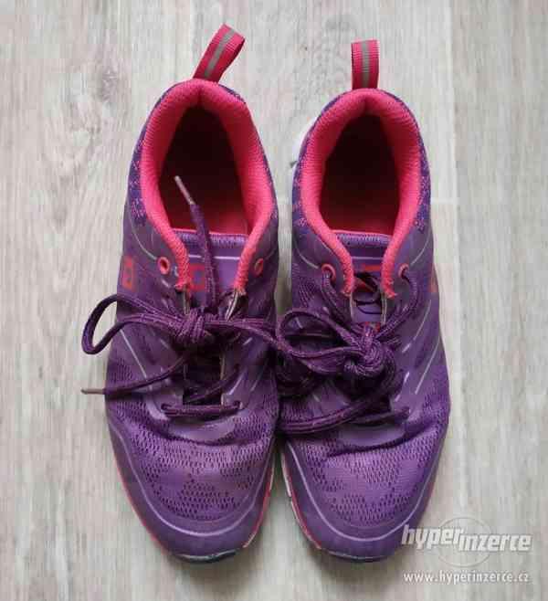 Dívčí sportovní boty vel.37 - foto 3