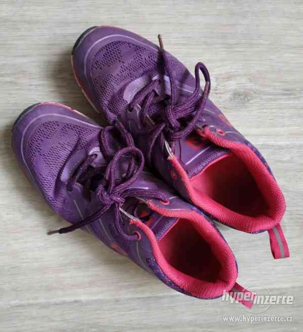 Dívčí sportovní boty vel.37 - foto 4