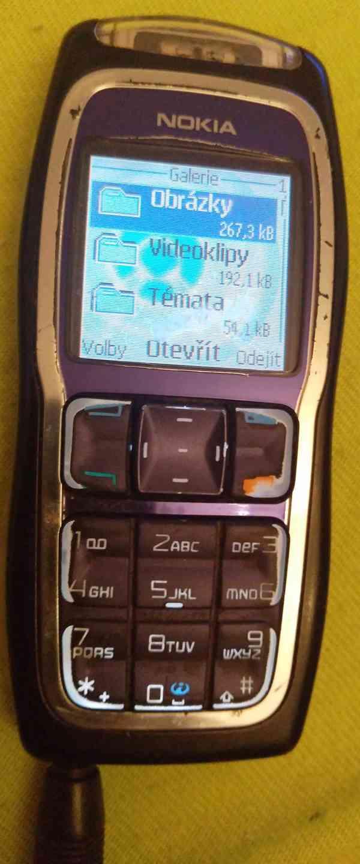 Tlačítkové mobilní telefony -funkční a s nabíječkama!!!  - foto 12