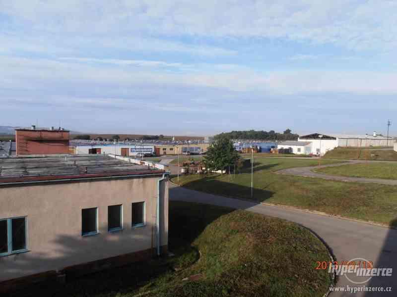 Nájem (prodej) hal a prostor pro skladování a výrobu u Brna