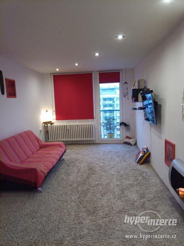 Pronájem bytu 2+kk, Slancova, Praha - Kobylisy