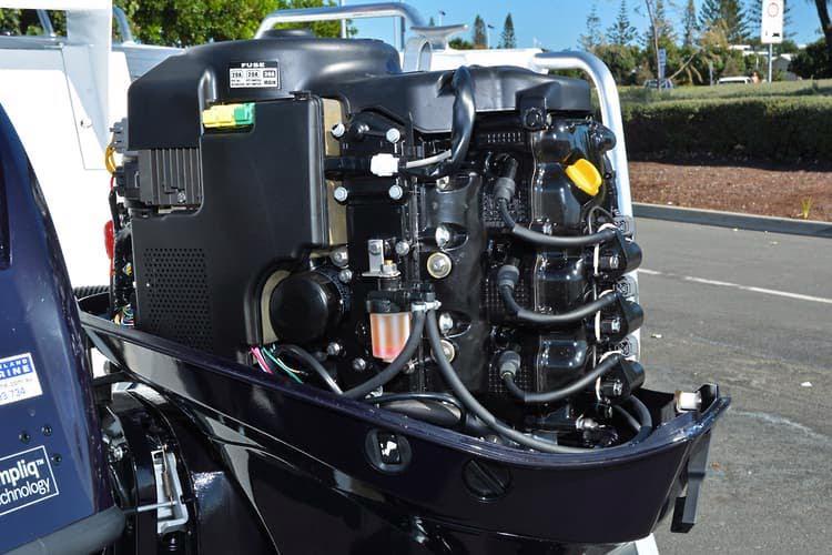 Čtyřtaktní přívěsný motor Tohatsh 60 HP - foto 4