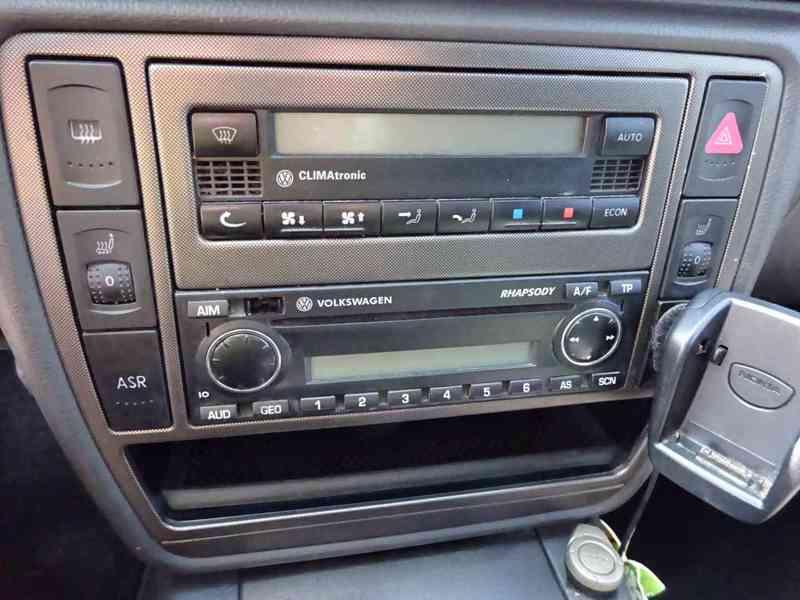 VW Passat 1.9 TDI Variant r.v.2005 (96 kw) Nemá STK - foto 8