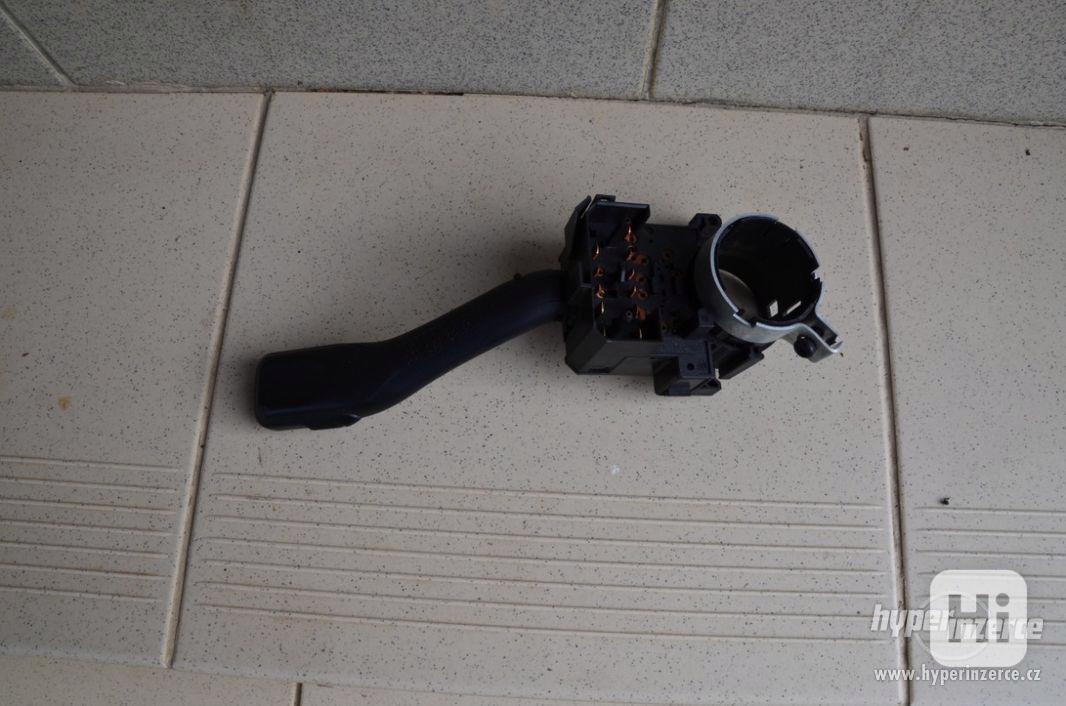 Přepínač světel a blinkrů Fabia - foto 1