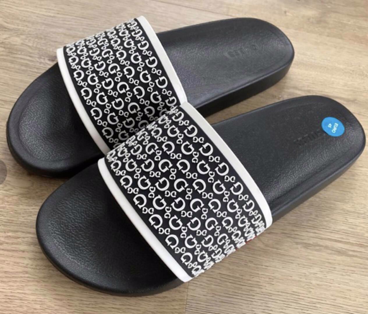 Panské pantofle Guess vel.-45 - foto 1