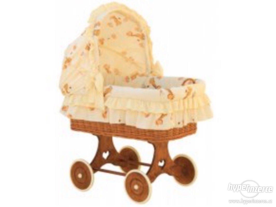 Proutěný koš na miminko s boudičkou včetně vybavení - foto 1