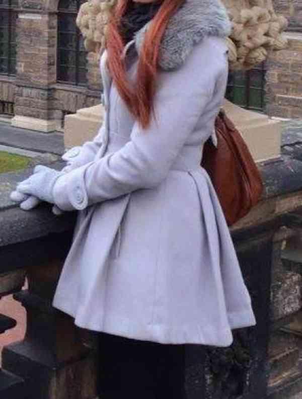 Krásný zimní kabát, střih šatů