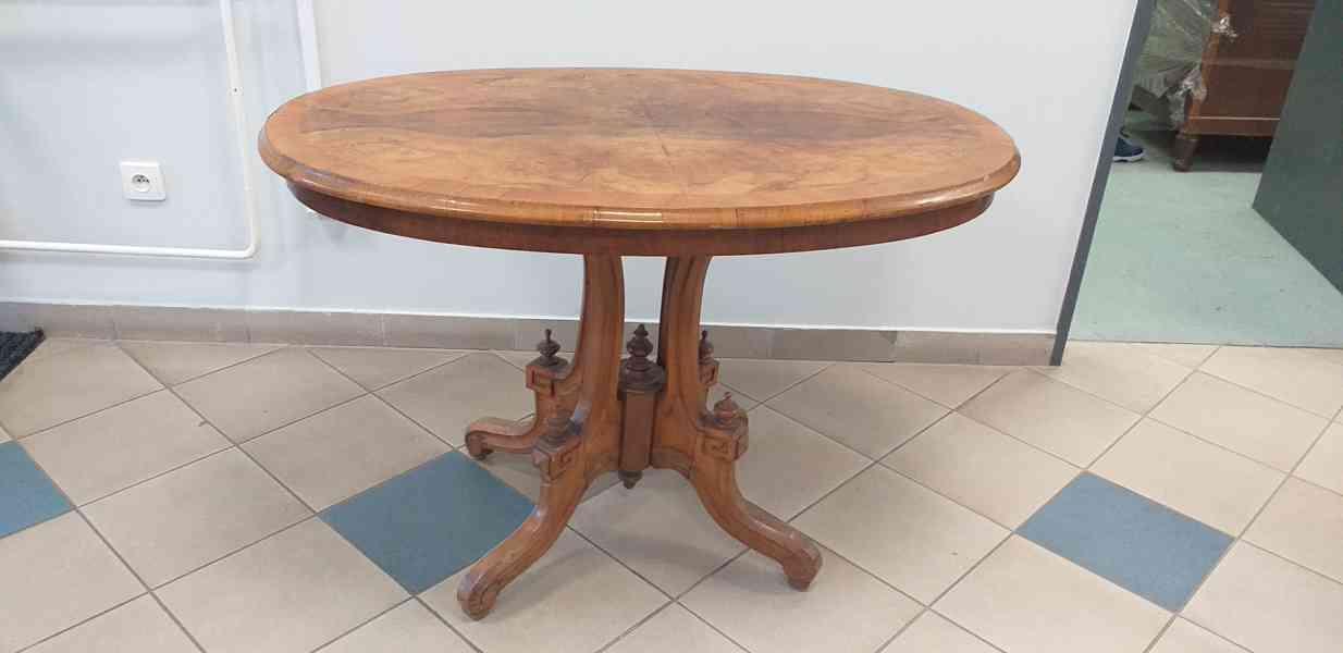 Starožitný jídelní stůl