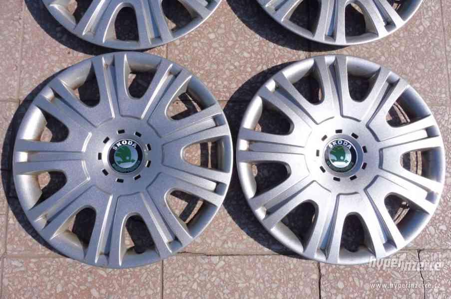 Poklice Škoda Octavia originální pěkný stav - foto 4
