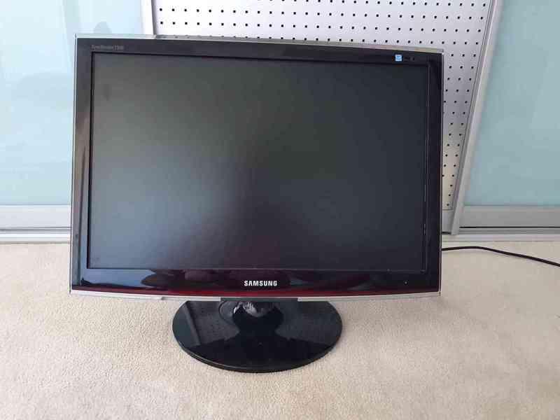 Monitor Samsung SyncMaster T240 - foto 1