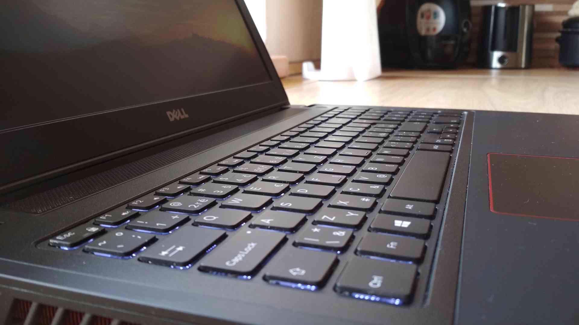 Herní notebook Dell Inspiron 15, i5, GTX960m, 8GB - foto 1
