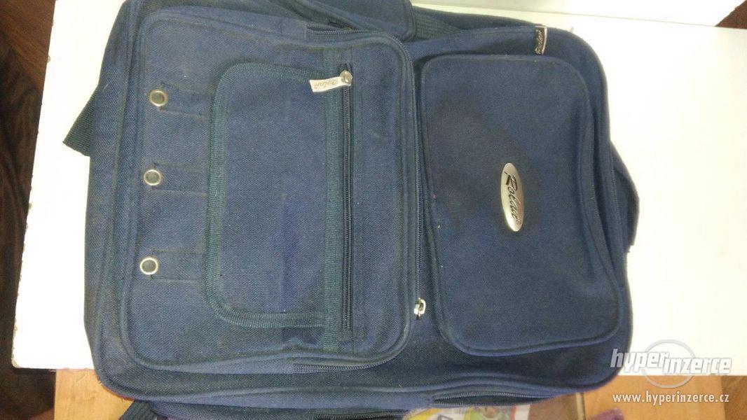 Velký batoh modré barvy Rolan