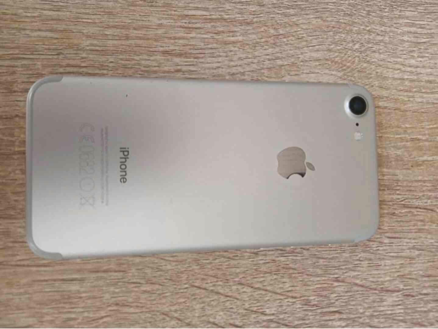 iPhone 7 Silver 32GM - foto 1