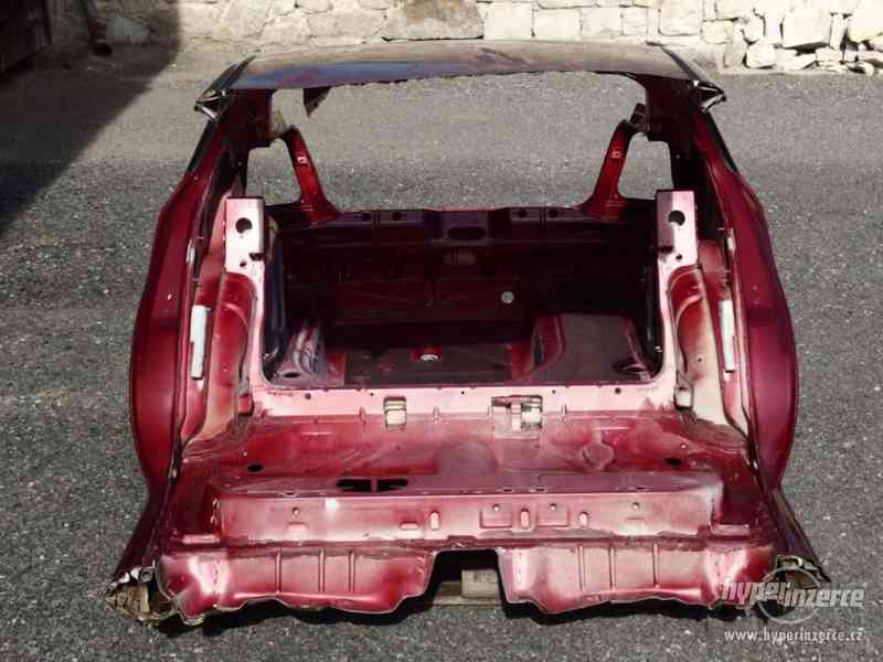Nehavarovaná zadní část karoserie Škoda Octavia I - foto 5