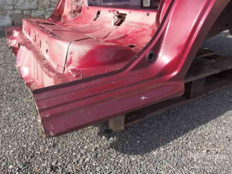 Nehavarovaná zadní část karoserie Škoda Octavia I - foto 6