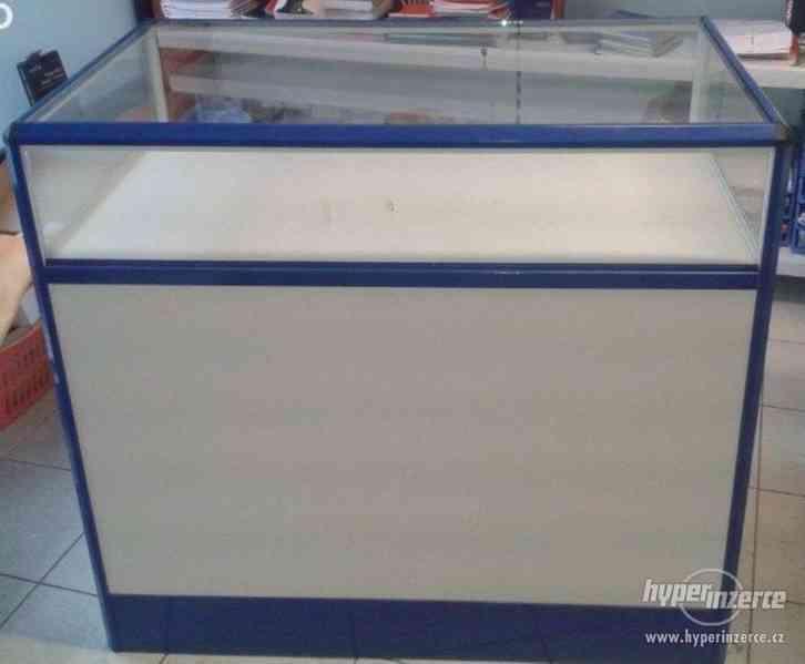 Koupím prodejní pult OZAP SU5, prosklený, tmavý modrý - foto 1