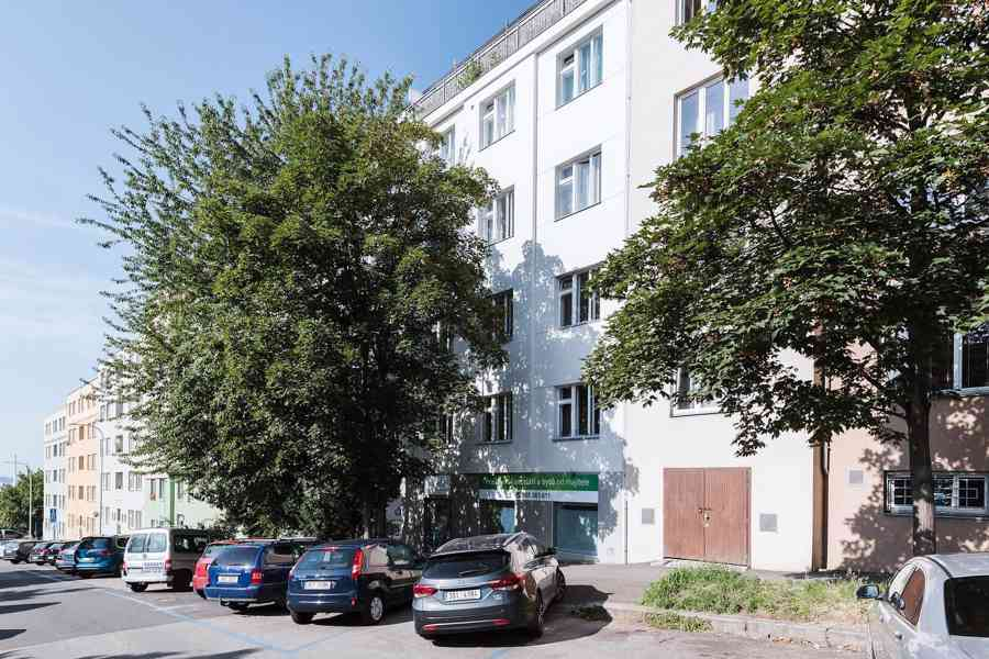 Nájem nebytového prostoru 45 m2, 1.patro, Hollarovo náměstí, - foto 5