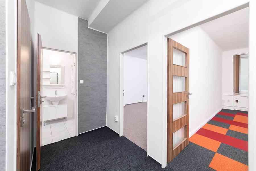 Nájem nebytového prostoru 45 m2, 1.patro, Hollarovo náměstí, - foto 1