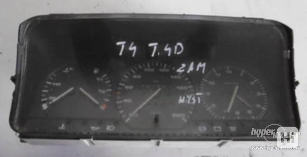 Prodám palubní budíky na VW T4 1,9 D - foto 1