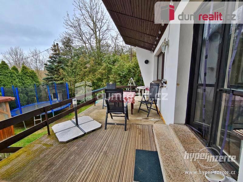 Prodej patrového rodinného domu 190 m2 s velkou garáží a zahradou 2400 m2 - foto 1