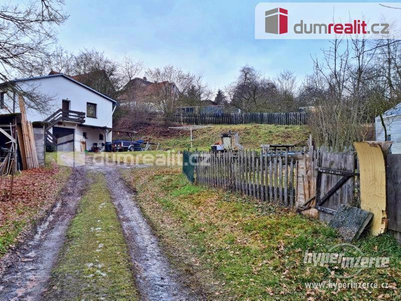 Prodej patrového rodinného domu 190 m2 s velkou garáží a zahradou 2400 m2 - foto 2